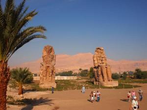 Memnon-Kolosse auf der Westbank von Luxor