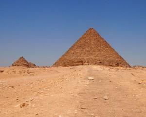 Zwei Pyramiden von Gizeh