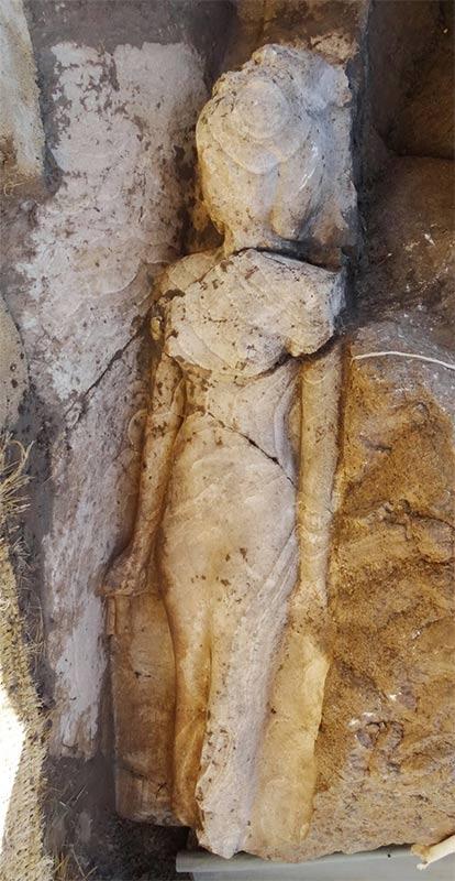 Statue Prinzessin Iset