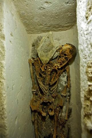 Das Skelett Nefers aus Abusir. Foto: LuxorTimes