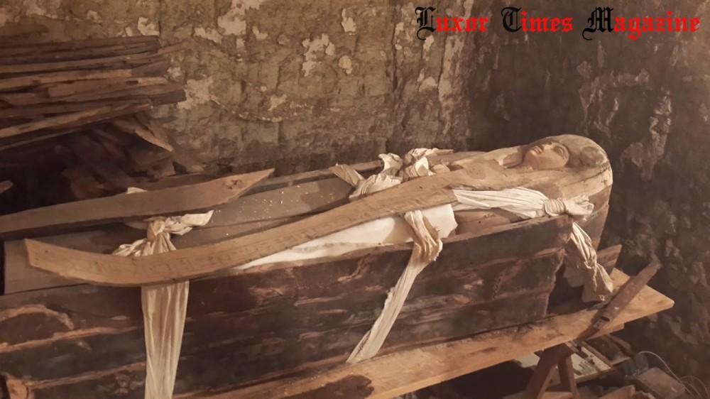 Foto Sarkophag der Sängerin Ta-Akhet