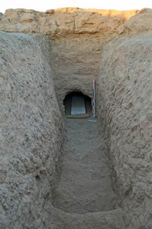 Das Grab in Sedeinga, in dem die Tafel gefunden wurde Foto: © Vincent Francigny | Sedeinga Mission