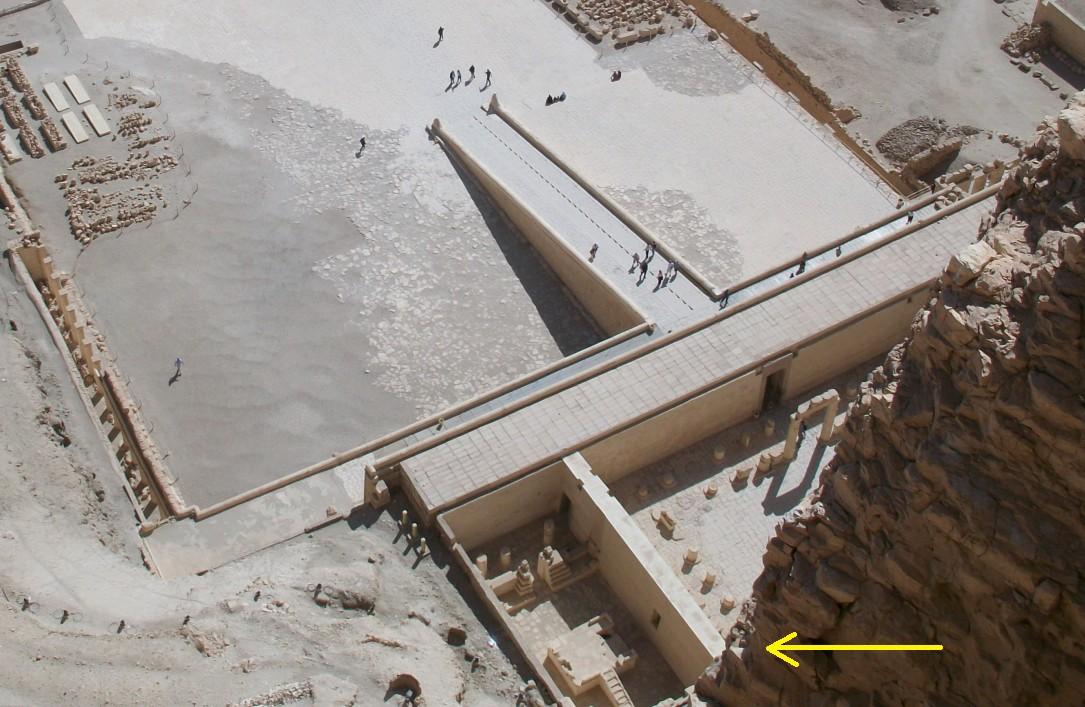 Foto Sonnentempel Deir-el-Bahari von oben