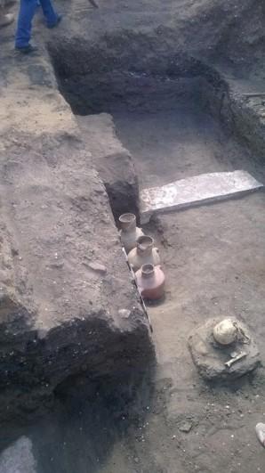 Die Grundmauern der Residenz von Thutmosis II., in der etliche Kermaiken mit seinem Namensstempel entdeckt wurde Foto: MSA