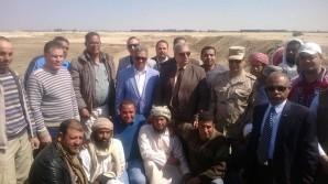 Der Antikenminister mit Vetretern der Bezirksregierungen im Nord-Sinai und mitglieder des Verteidigungsministeriums im Nord-Sinai Foto: MSA
