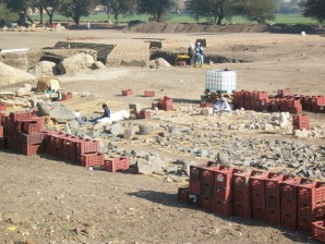 Archäologische Arbeiten am Totentempel des Amenhotep III. in Luxor