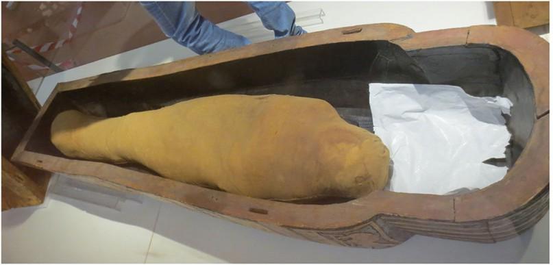 Merit wurde in einem viel zu großen Sarkophag bestattet, der ursprünglich ihrem Mann gehörte