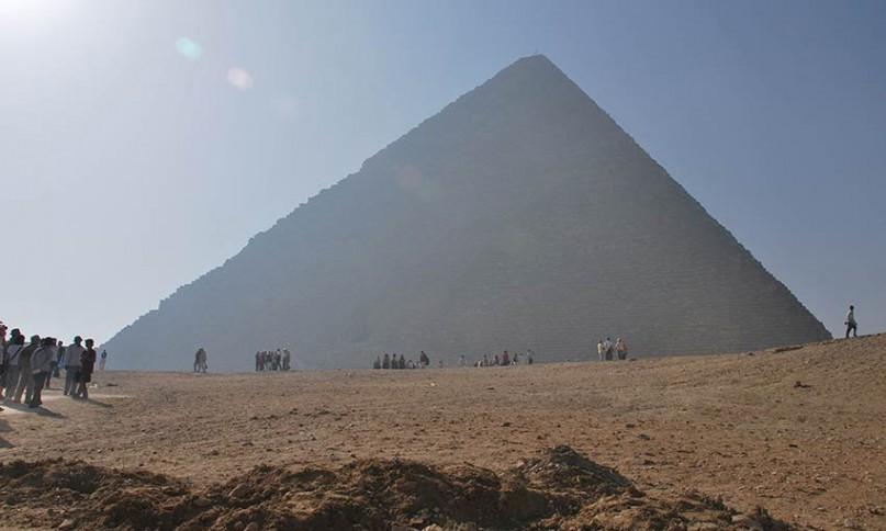 Die beeindruckende Größe der Pyramiden kann man wohl nur durch einen Besuch vor Ort wirklich erfahren