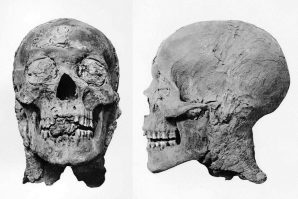 Mumie Amenophis III. Bilder aus G.E.Smith: The Royal Mummies, Kairo 1912, Copyright expired