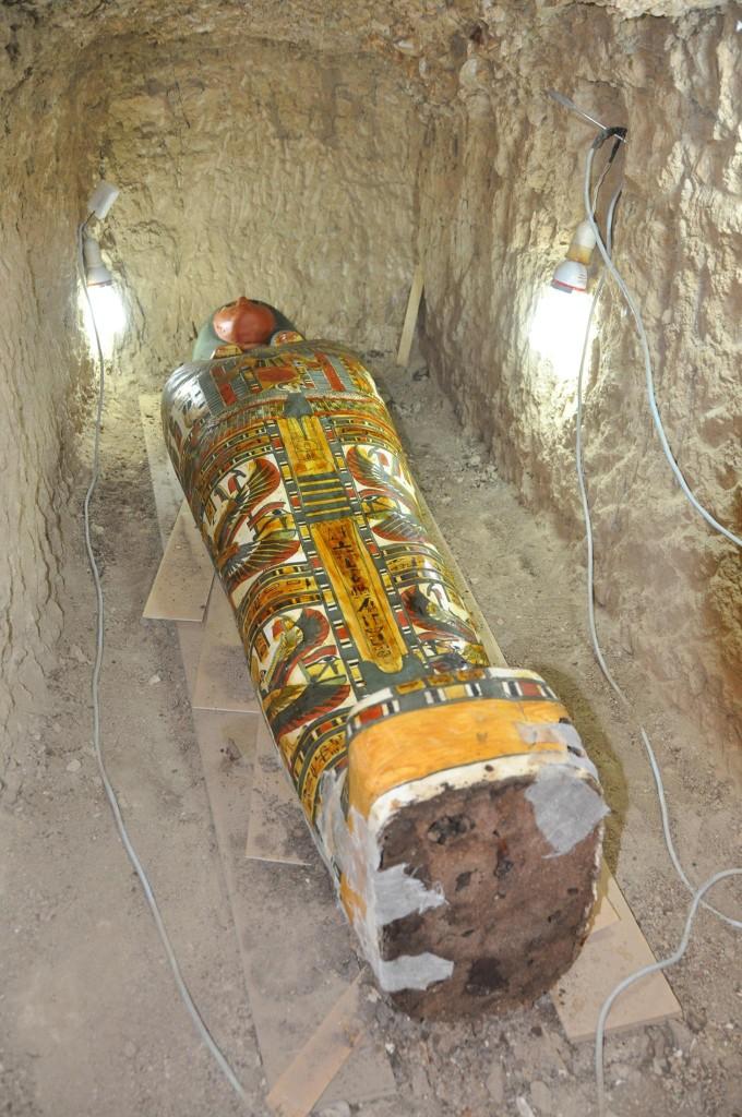 Farbenfroher Sarkophag des Ameniuref in seinem Grab am Totentempel des Thutmosis III. Bild: MSA