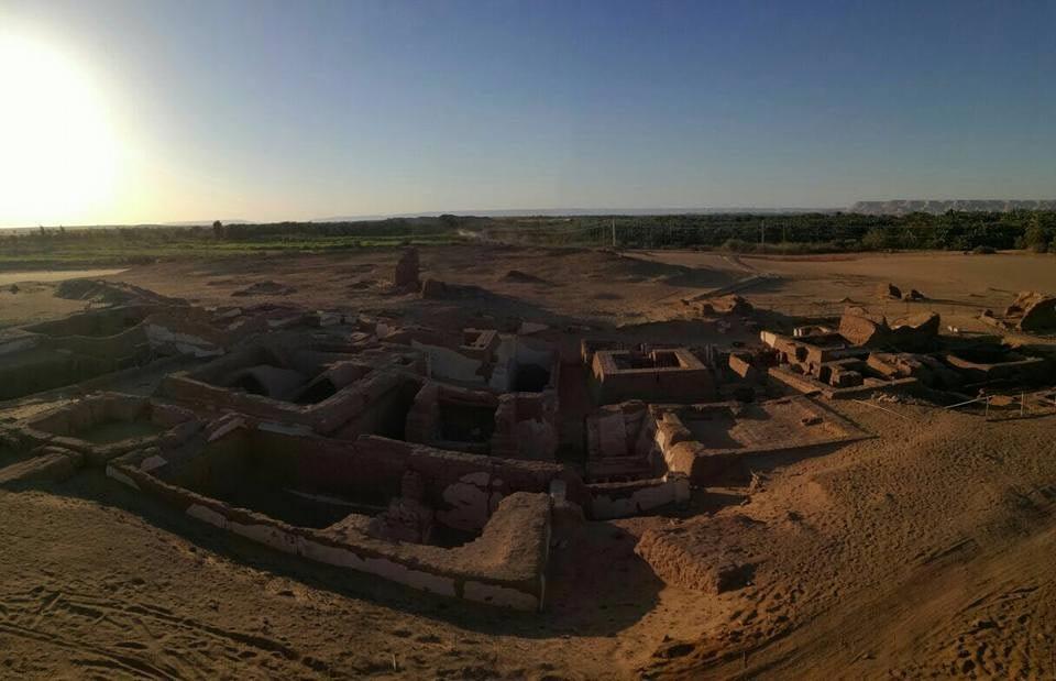 Römische Gräber In Der Dachla Oase Entdeckt